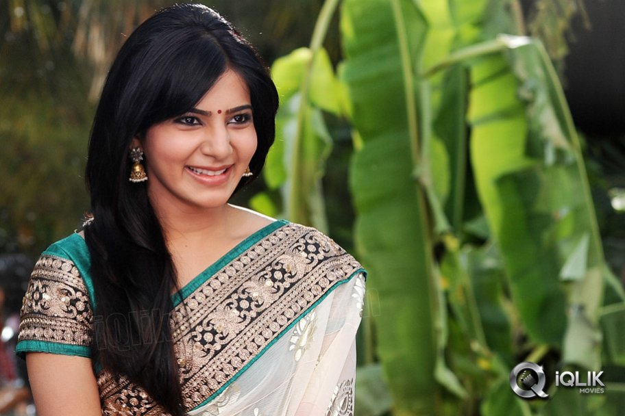 samantha saree stills in Attarintiki Daredi