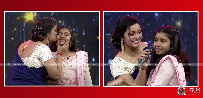 pawan-kalyan-daughter-aadhya-in-renu-desai-drama-juniors-show