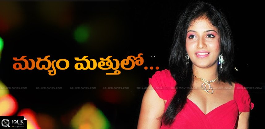 drunken-actress-anjali-hulchul-in-banjarahills-pub