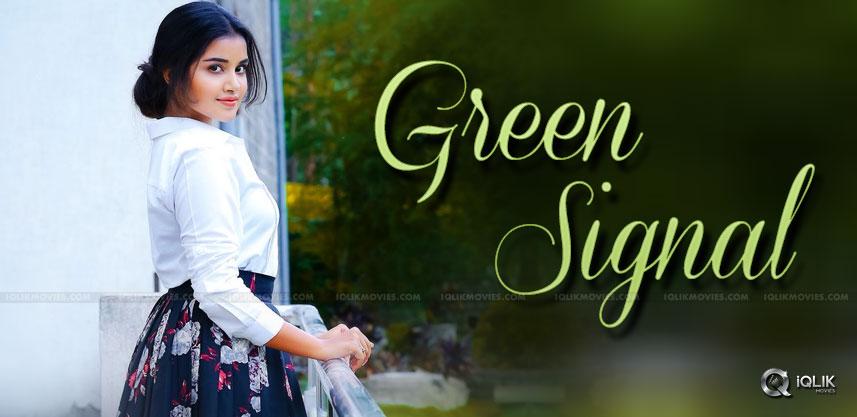 anupamaparameswaran-green-signal-to-glamour-roles