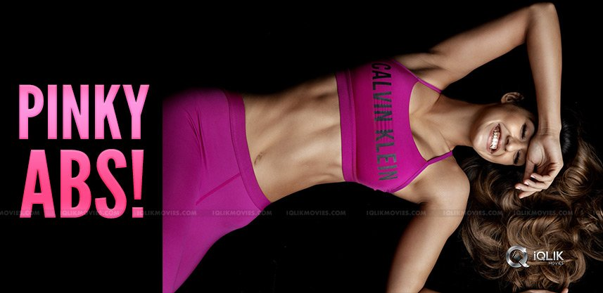 disha-patani-flaunting-abs