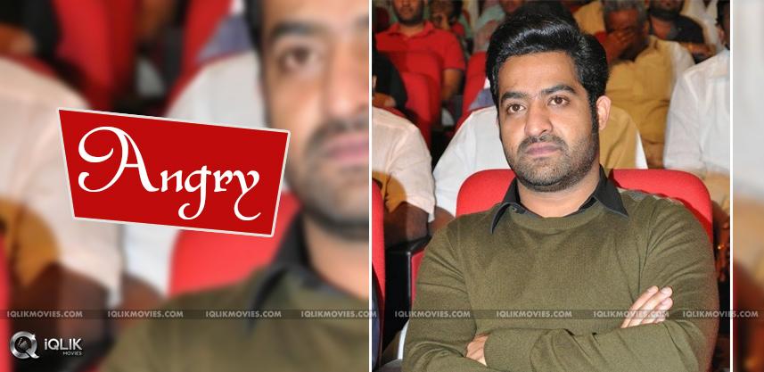 jrntr-fans-angry-on-king-nagarjuna