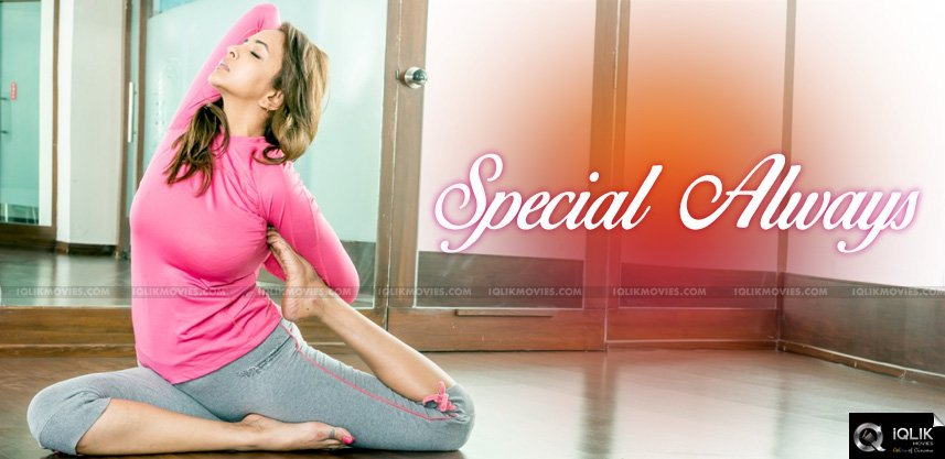 lakshmi-manchu-is-special-always-in-all-ways
