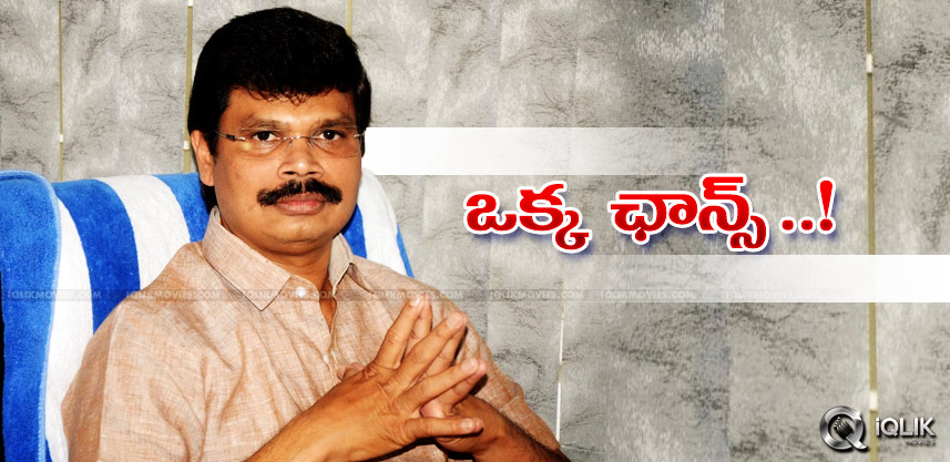 boyapati-srinu-tells-story-to-chiranjeevi-for-his-
