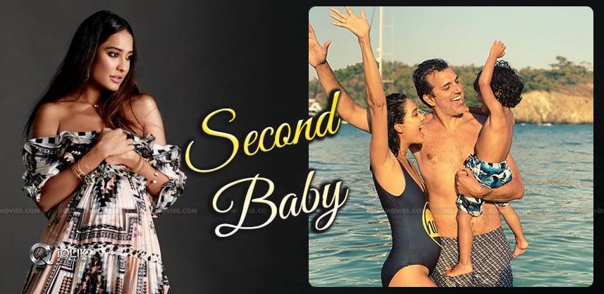 lisa-haydon-second-pregnancy