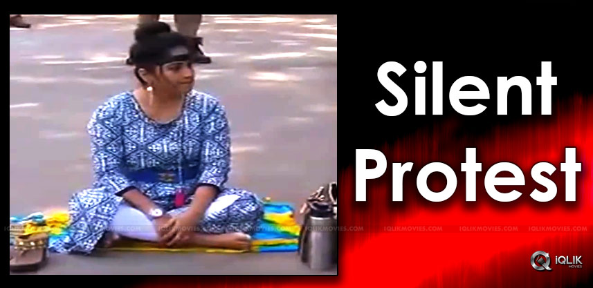 madhavilatha-silent-protest-against-sri-reddy-
