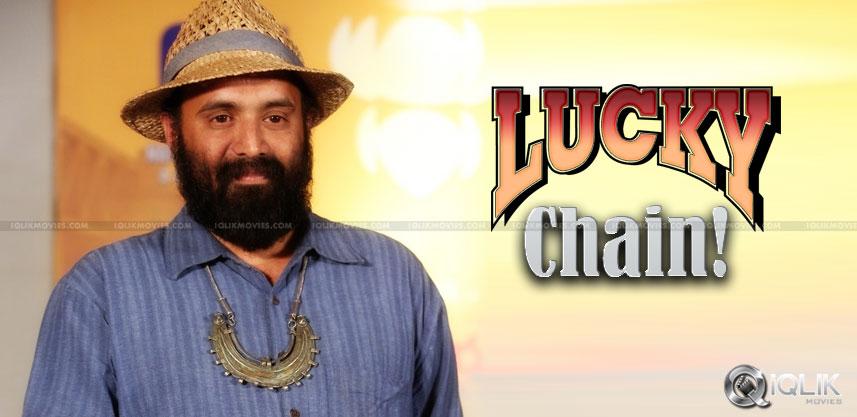 na-bangaru-thalli-director-rajesh-touchriver-chain
