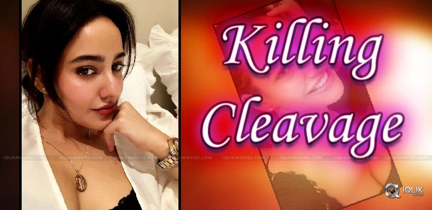 neha-sharma-s-killing-cleavage-show