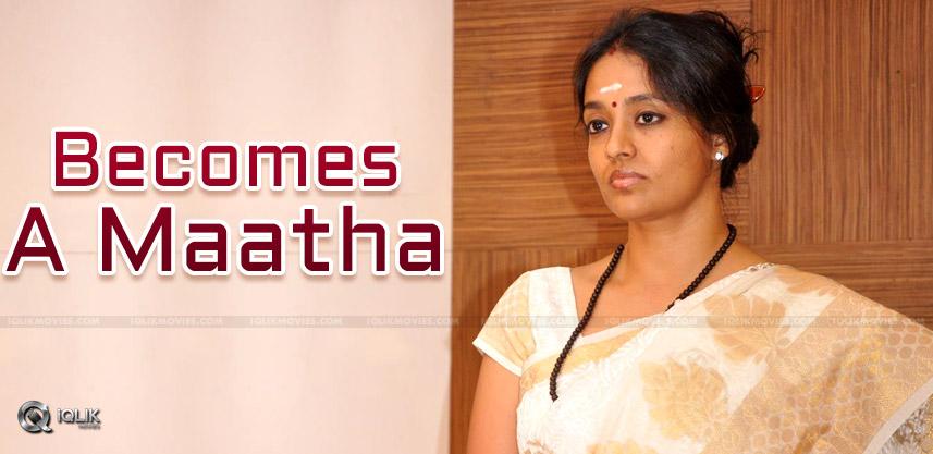 Heroine-becomes-maatha-nityanandamayi