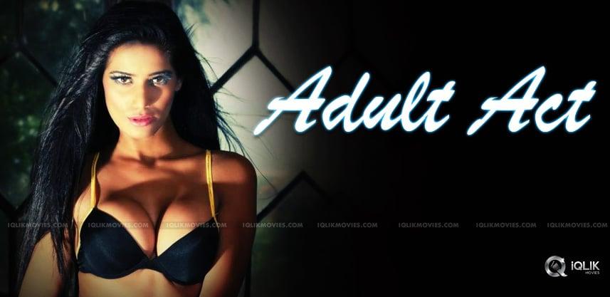 poonam-pandey-leaked-her-adult-clip