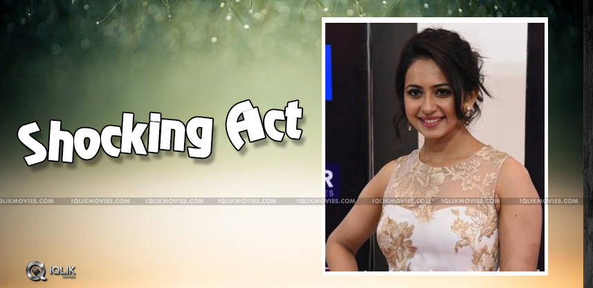 rakulpreet-shocking-act-at-siima-details