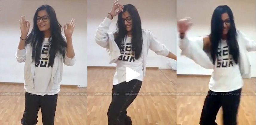 Stunner-Rashmikas-Magical-Dance