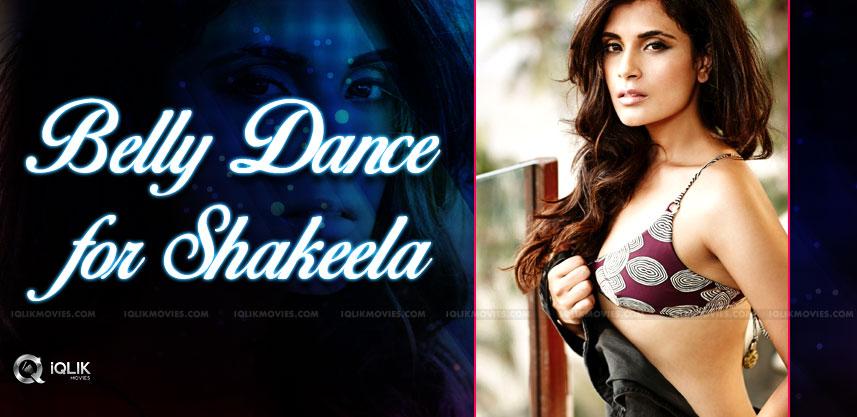 richa-chada-learning-belly-dance-for-shakeela