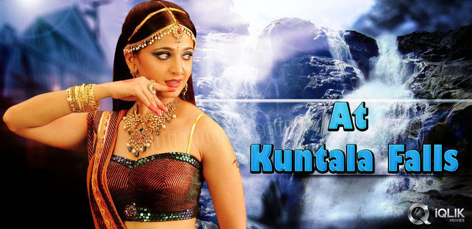 Rudramadevi-shooting-at-Kuntala