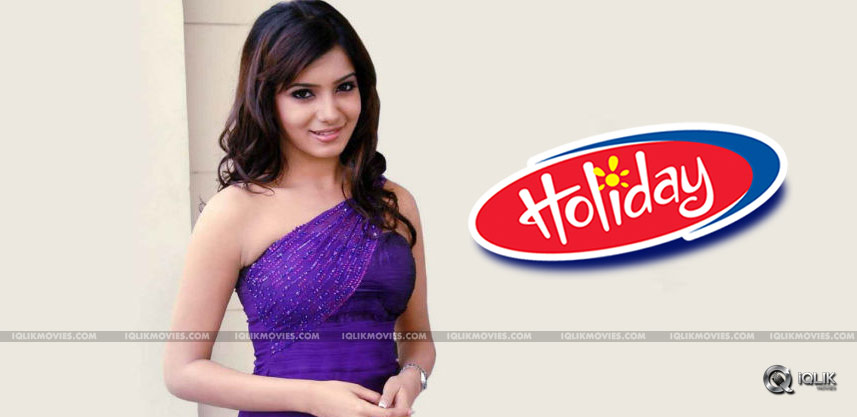 actress-samantha-holiday-exclusive-details