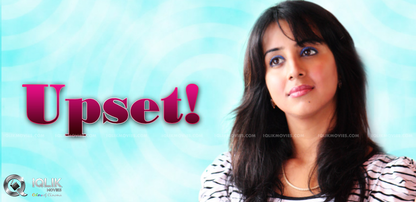 heroine-sanjjanaa-tweets-about-other-actresses