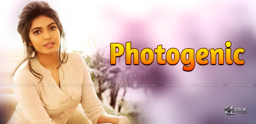 sivani-rajasekhar-photogenic-debutante-