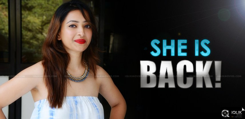 swetha-basu-prasad-is-back-with-a-bang