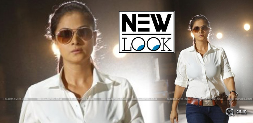 simran-cop-look-in-upcoming-tamil-film