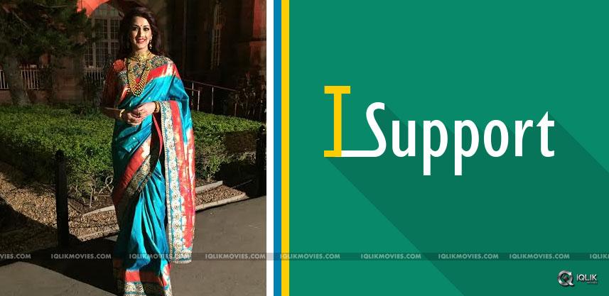 sonli-bendre-supports-paithani-sarees