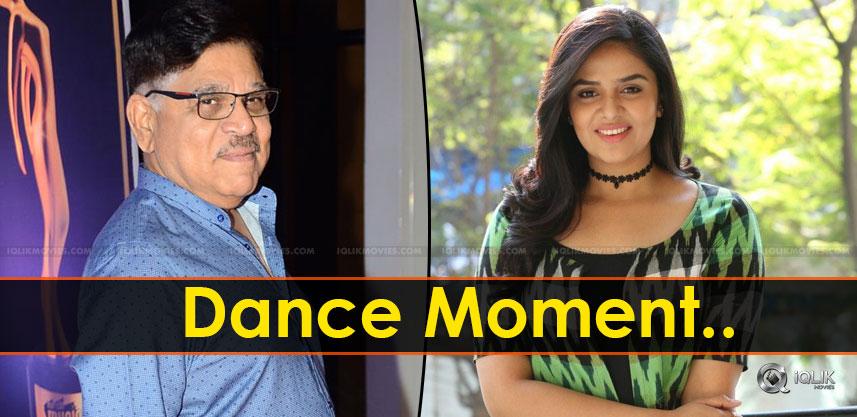 sreemukhi-dance-with-allu-aravind-at-mirchi-awards