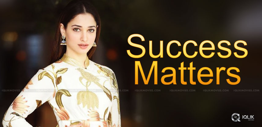 tamannaah-practicing-yoga-details-