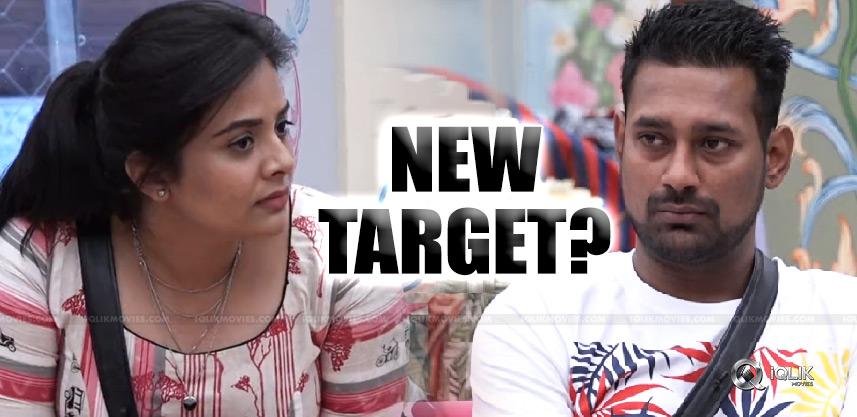 varun-sree-mukhi-new-target