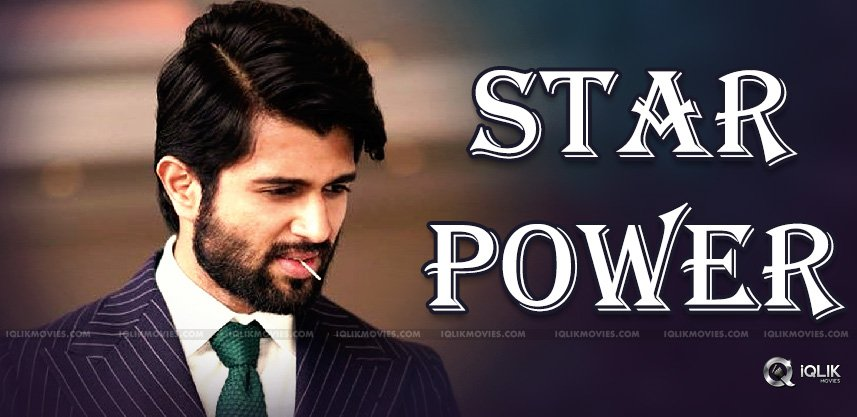 vijay-deverakonda-showing-his-star-power