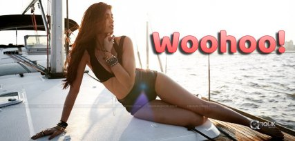 Ileana-Happy-Dance-Wiggle-12-Million-Insta-Followe
