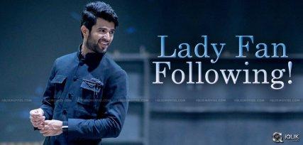 vijay-devarakonda-lady-following