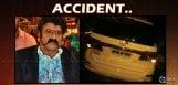 balakrishna-car-met-with-accident-at-banjarahills