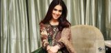 genelia-meeting-telugu-actor-often
