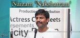 ravi-panasa-distributing-nakshatram-in-naizam