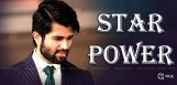 vijay-deverakonda-showing-his-star-power