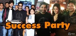 allu-arjun-and-taxiwaala-team-parties-hard
