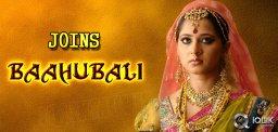 Anushka-Joins-Baahubali-Shoot