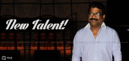 chandrabose-sings-at-singing-talent-show