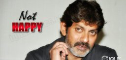 Jagapathi-Babu-Not-Happy-With-Legend