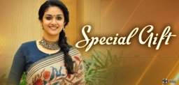 special-gift-to-keerthy-suresh-from-mahanati-team