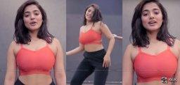 Ketika-Sharma-The-Romantic-Dancer