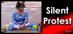 madhavilatha-silent-protest-against-sri-reddy-
