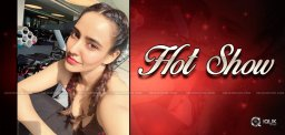 neha-sharma-flaunts-her-hot-assets