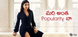 popularity-at-priyankachopra-at-emmyawards