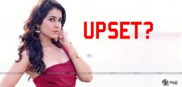 raashikhanna-upset-with-ramcharan-sukumar