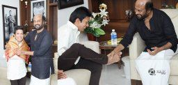 rajinikanth-touches-fans-feet