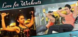 rakul-preet-workout-at-dhruva-shooting