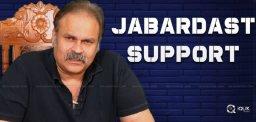 rashmi-anasuya-support-to-naga-babu