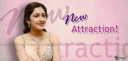 sayesha-saigal-looks-promising