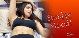 sherlyn-chopra-sunday-mood-sexy-video