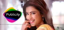 shruti-hassan-in-srimanthudu-movie-promotions